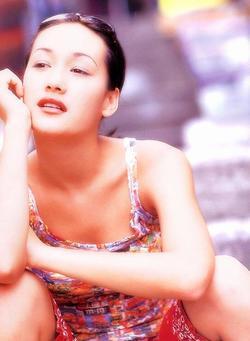 Откровенная фотосессия мэгги кью — photo 8